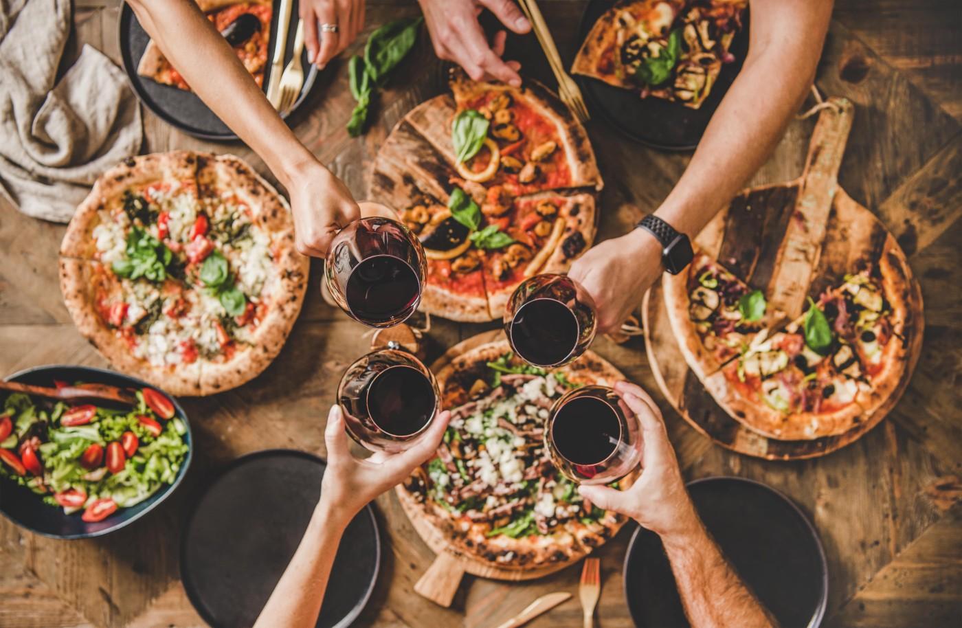 pizza, masa, prieteni